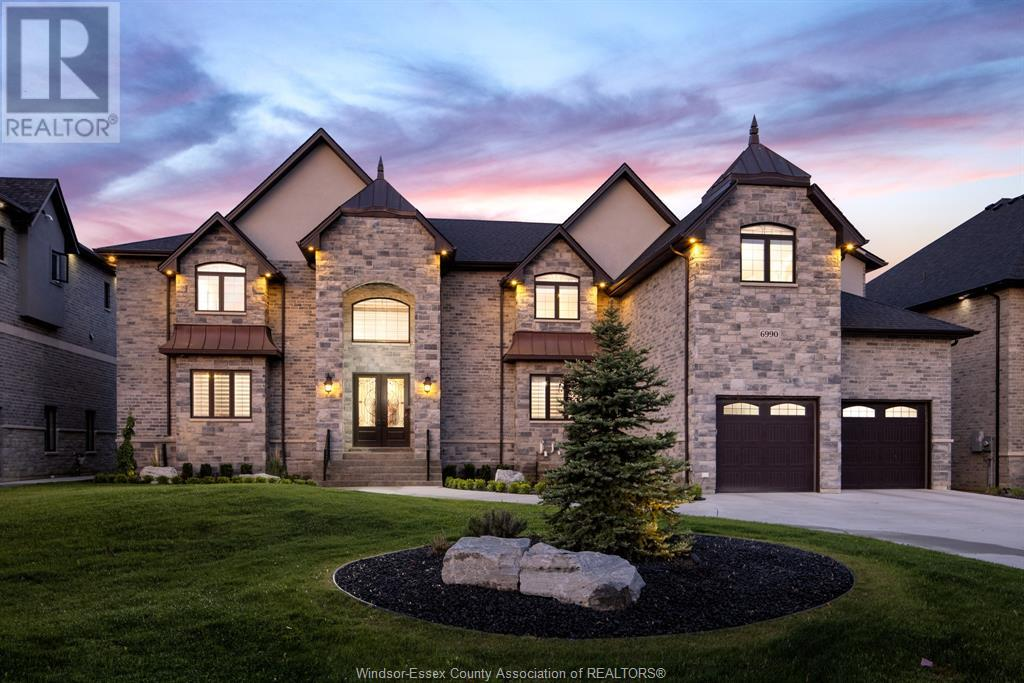 residential property for For sale at LaSalle, Ontario